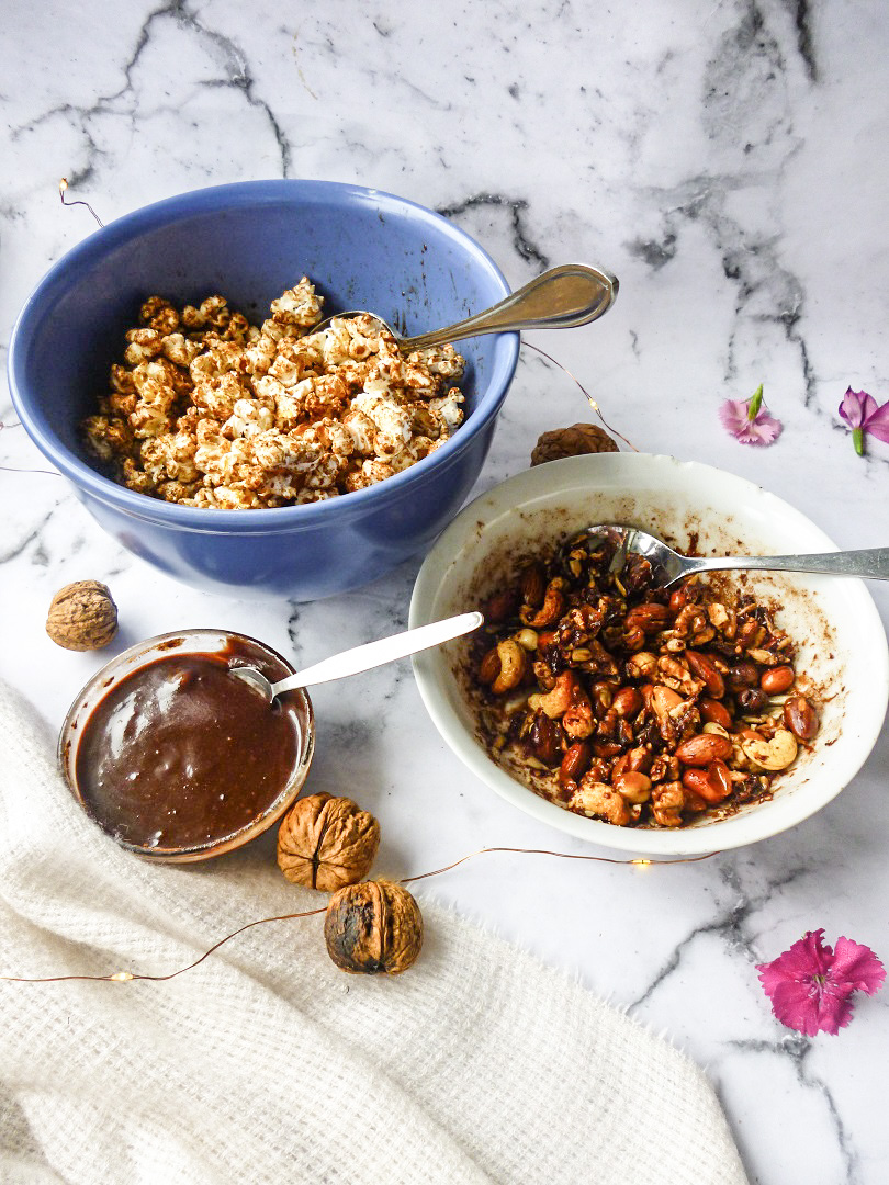 Loaded-Gingerbread-Popcorn-with-Caramelised-Spiced-Nuts-Chocolate-Tahini-Sauce-In-The-Microwave-3.jpg