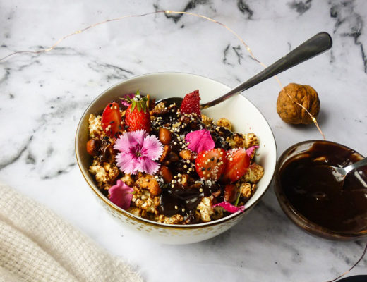Loaded-Gingerbread-Popcorn-with-Caramelised-Spiced-Nuts-Chocolate-Tahini-Sauce-In-The-Microwave-8.jpg